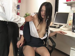 Mai Mizusawa enjoys a threesome in the election with horny dudes