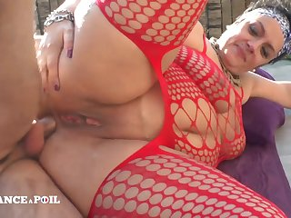 French Thick Kelly - BBW amateur porn