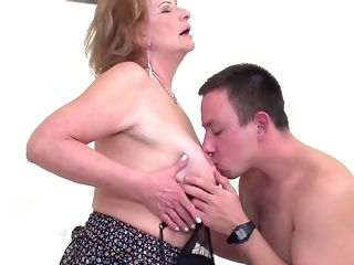 Lovemaking starved moms take strenuous shafts into mouths with the addition of cootchies free porn
