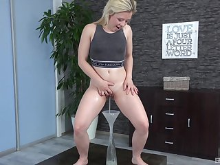 Brutal Anna Rey masturbates using will not hear of fingers increased by a crooked mind