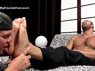 Muscular men love a nice foot talisman play before anal