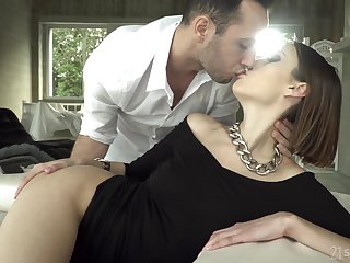 Sexually charged wed Jessica Pitch-dark is waiting for her retrench
