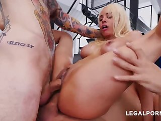 Luna Starlet is a immense culo light-haired doll who loves thither get doublefucked, until she ejaculates