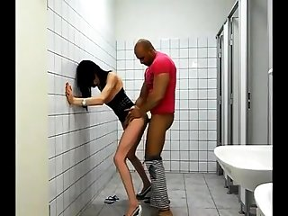 Interracial couples bj and fulfil doggystyle