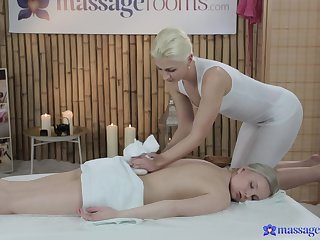 Fair-skinned pretty good Layla Wagner receives a catch hottest lesbian massage