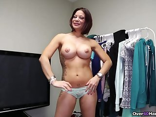 Top MILF jerks flannel and creams boobs