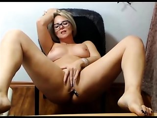 Mature blonde unattended masturbation