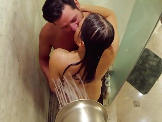 Horny Matt and Mandy have pre party dealings in the shower