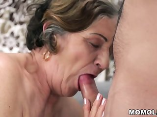 Old queasy pussy filled with young cock
